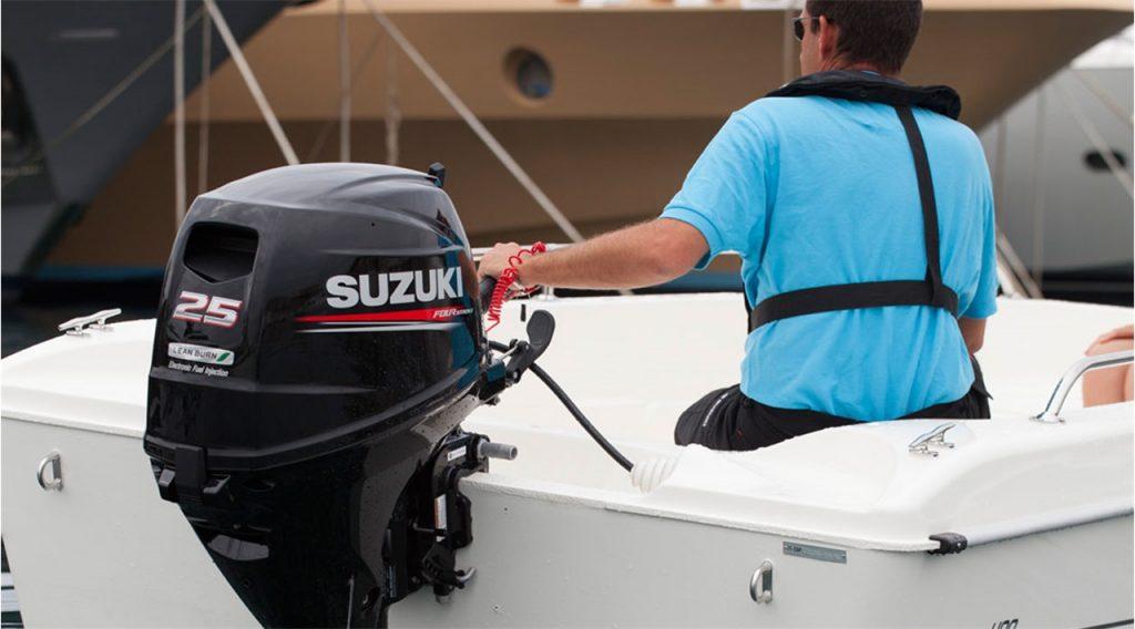 Suzuki_DF25AS prova in acqua